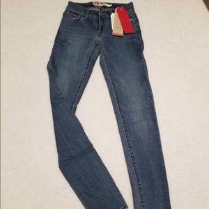 NWT, SZ 25 waist, Levi's 710's, Super Skinny Jeans